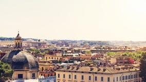 Rzym pejzażu miejskiego linia horyzontu w świetle słonecznym Obrazy Stock