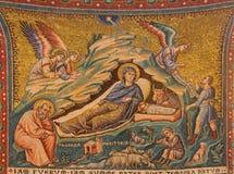 Rzym - Stara mozaika narodzenie jezusa w kościelnej bazylice Di Santa Maria w Trastevere od 13 cent pietro cavallini Obraz Stock