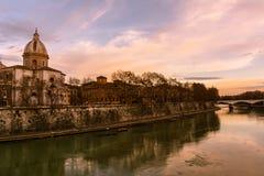Rzym - Tiber rzeka przy zmierzchem Fotografia Royalty Free