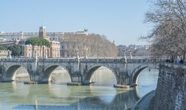 Rzym Włochy, Luty, - 16, 2015: Świątobliwy anioła most w Rzym zdjęcie stock