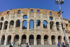 RZYM WŁOCHY, CZERWIEC, - 23, 2017: Ludzie przed Colosseum w mieście Rzym Obraz Royalty Free