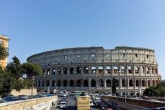 RZYM WŁOCHY, CZERWIEC, - 23, 2017: Ludzie przed Colosseum w mieście Rzym Zdjęcie Royalty Free