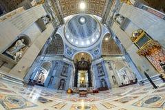 Rzym WŁOCHY, CZERWIEC, - 01: St Peter bazylika w Watykan, Rzym, Włochy na Czerwu 01, 2016 Zdjęcie Stock