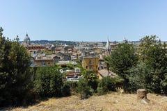 RZYM WŁOCHY, CZERWIEC, - 22, 2017: Zadziwiający Panoramiczny widok od Viale Del Belweder miasto Rzym Obrazy Stock