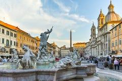 RZYM WŁOCHY, CZERWIEC, - 22, 2017: Zadziwiający Panoramiczny widok piazza Navona i fontanna Neptune w mieście Rzym Zdjęcia Stock