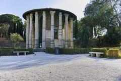 RZYM WŁOCHY, CZERWIEC, - 22, 2017: Zadziwiający widok świątynia Hercules zwycięzca w mieście Rzym Zdjęcia Stock