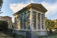 RZYM WŁOCHY, CZERWIEC, - 22, 2017: Zadziwiający widok świątynia Portunus w mieście Rzym Obraz Royalty Free