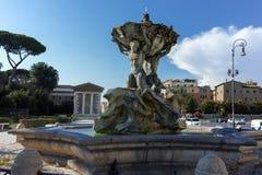 RZYM WŁOCHY, CZERWIEC, - 22, 2017: Zadziwiający widok fontanna Tritons w mieście Rzym Zdjęcia Royalty Free