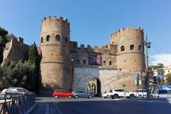 RZYM WŁOCHY, CZERWIEC, - 22, 2017: Zadziwiający widok Porta St Paolo w mieście Rzym Fotografia Royalty Free