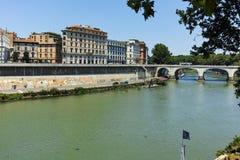 RZYM WŁOCHY, CZERWIEC, - 22, 2017: Zadziwiający widok Tiber rzeka w mieście Rzym Zdjęcia Stock