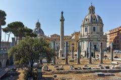 RZYM WŁOCHY, CZERWIEC, - 23, 2017: Zadziwiający widok Trajan forum w mieście Rzym i kolumna Fotografia Stock