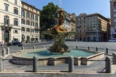 RZYM WŁOCHY, CZERWIEC, - 22, 2017: Zadziwiający widok Triton fontanna przy piazza Barberini w Rzym Zdjęcie Royalty Free