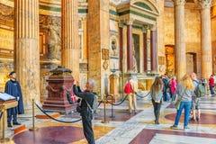 RZYM WŁOCHY, MAJ, - 09, 2017: Inside wnętrze panteon, jest Obraz Stock