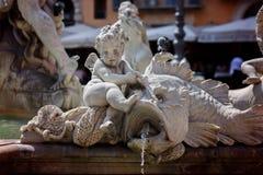 RZYM, WŁOCHY, na WRZEŚNIU, 2016 Rzeźba dekoruje fontannę na Navon kwadracie zdjęcie royalty free