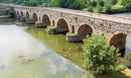 Rzymianina most nad Guadiana rzeką, Hiszpania zdjęcia royalty free
