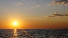 S†‹unset en de Zwarte Zee stock foto