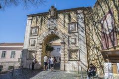 São豪尔赫城堡(Castelo de SA£oo豪尔赫)里斯本 入口 免版税库存照片