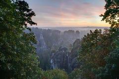 Sächsische die Schweiz-Ansicht von Bastei Stockfotografie