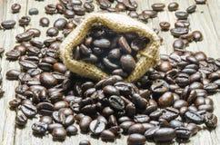 Säck av kaffebönor fotografering för bildbyråer