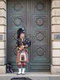 Säckpipeblåsare Edinburg Royaltyfri Fotografi