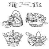 Sädes- bröd, torra bisquits och smällare i textilportionkorg Royaltyfri Bild