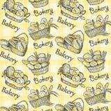 Sädes- bröd, torra bisquits och smällare i textilportionkorg Royaltyfri Foto