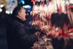 Säger vem att sötsaker är för ungar endast? Royaltyfri Bild