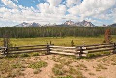 Sägezahn-Gebirgszug in Idaho Stockfotografie