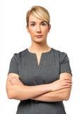 Säker affärskvinna With Arms Crossed Arkivfoto