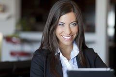 Säker affärskvinna Working At Home royaltyfria foton