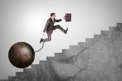 Säker affärsman som uppför trappan kör Arkivbilder