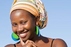 Säker attraktiv afrikansk kvinna Arkivfoton
