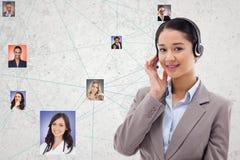 Säker bärande hörlurar för timme, medan välja kandidater arkivbild