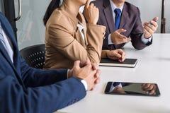 Säker företagsledare, konferens för affärslagmöte i nolla Arkivfoton