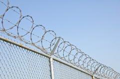 säkerhet för 2 staket fotografering för bildbyråer