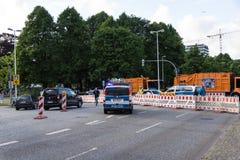 Säkerhetsåtgärder och polisstyrning under Kieleren Woche 2017 Fotografering för Bildbyråer