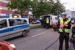 Säkerhetsåtgärder och polisstyrning under Kieleren Woche 2017 Royaltyfri Foto