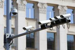 Säkerhetsbevakningkameror royaltyfria foton