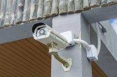 SäkerhetsCCTV-kamera och stads- video Royaltyfria Foton