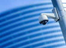 Säkerhetskamera och stads- video Arkivbild
