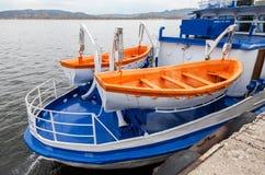 Säkerhetslivräddningsbåtar av passagerareskeppet Royaltyfri Bild