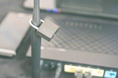 Säkra det stängda internetnätverket för Wi fi Arkivfoto