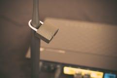 Säkra det stängda internetnätverket för Wi fi Royaltyfria Foton