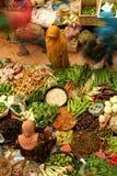 Sälja grönsaken Royaltyfria Bilder