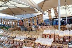 Säljare av italiensk pasta Fotografering för Bildbyråer