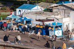 Säljare för orange fruktsaft i Essaouira Arkivfoto