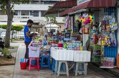Säljare på gatan Fotografering för Bildbyråer
