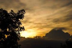 Sällsynt mång--färg fördunklar konturn Royaltyfri Fotografi