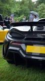 S?llsynt McLaren 600 LT som sitter bredvid en 650S royaltyfri fotografi