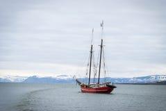 Sänd seglingen i det arktiska havet, Svalbard arkivbilder